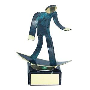 Trofeo Figura latón oxidado verde cm 18 Surf varios tamaños.  Ref - BP600/1 SF